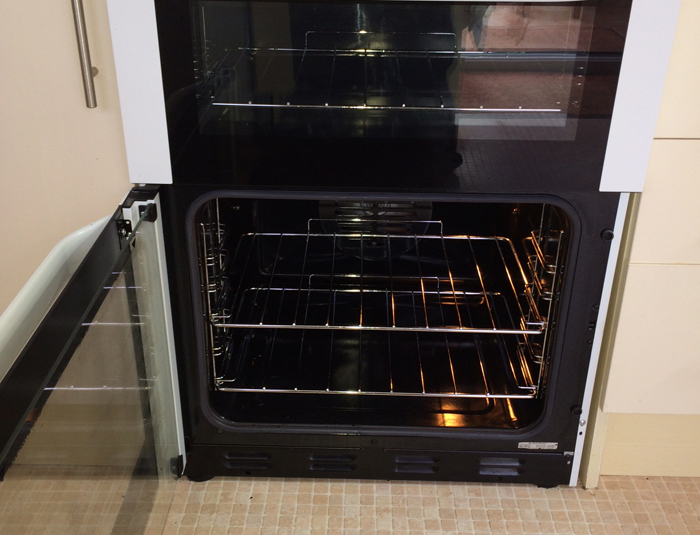 how to clean oven with pink solution